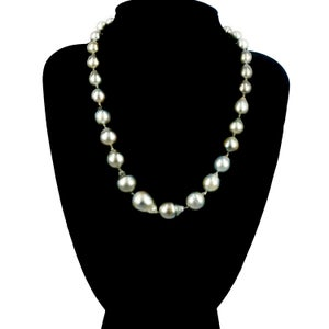 Image of Natural Tahitian pearl strand necklace. SH