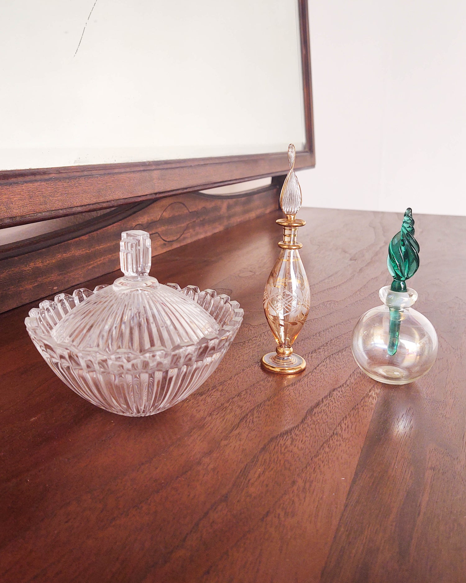 Image of Glass Orb Perfume Holder with Teal Dabber