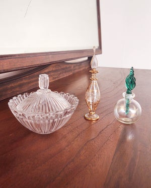 Glass Orb Perfume Holder with Teal Dabber