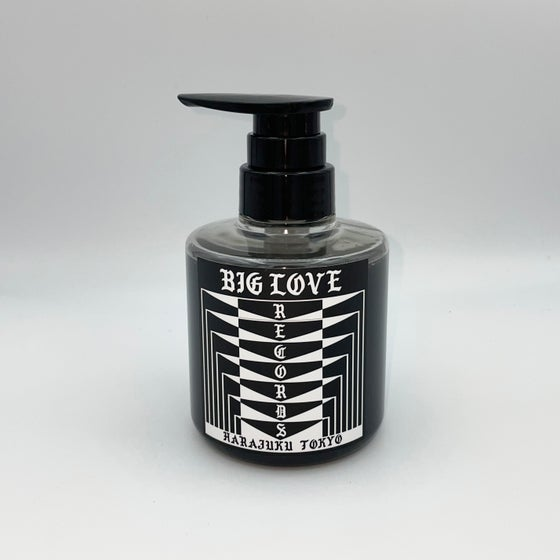 "Image of BIG LOVE LIQUID SOAP ""WHITE LIGHT/WHITE HEAT"" 300ml"