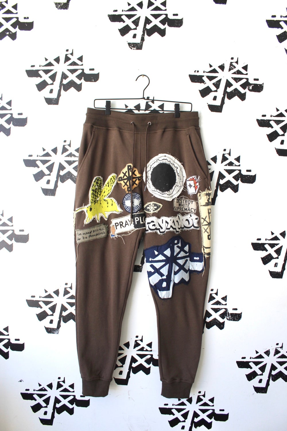 all the important parts sweatpants in brown