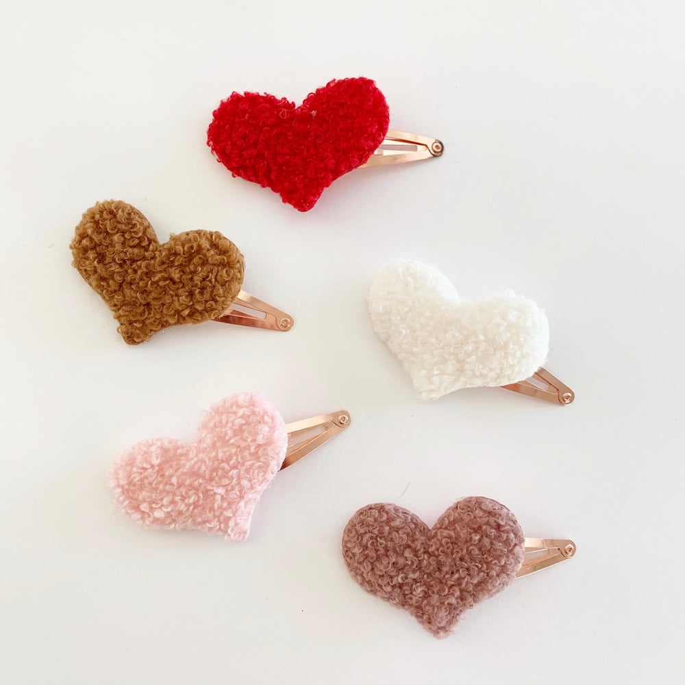 Image of Sherpa Heart Snap Clips