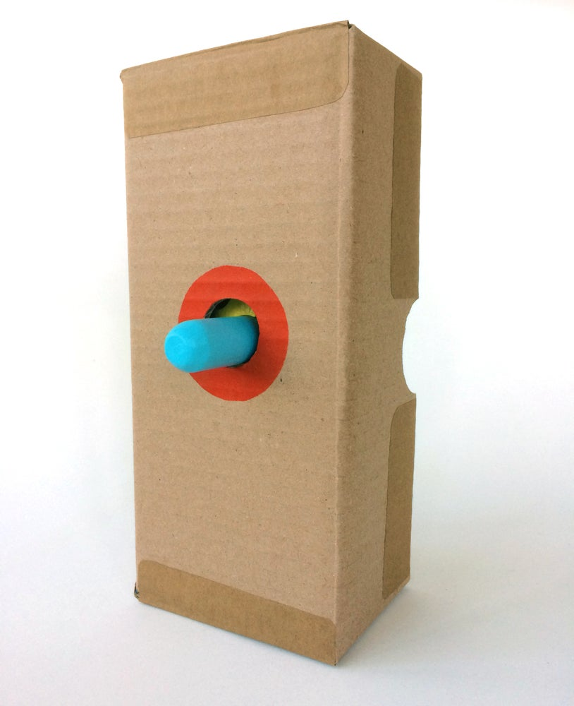 Image of It and a box