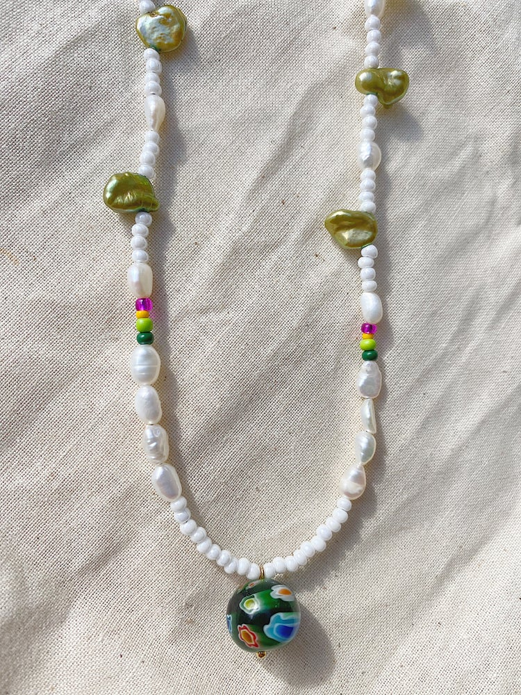 Image of Flower Pearly Necklace