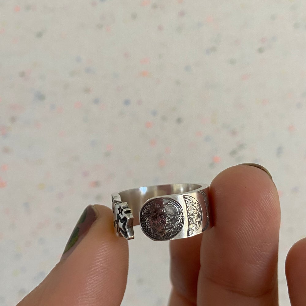 Image of Moon and stars ring