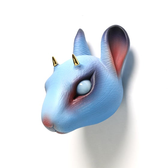 Image of Chikkoi Risu (blue/gold horns)