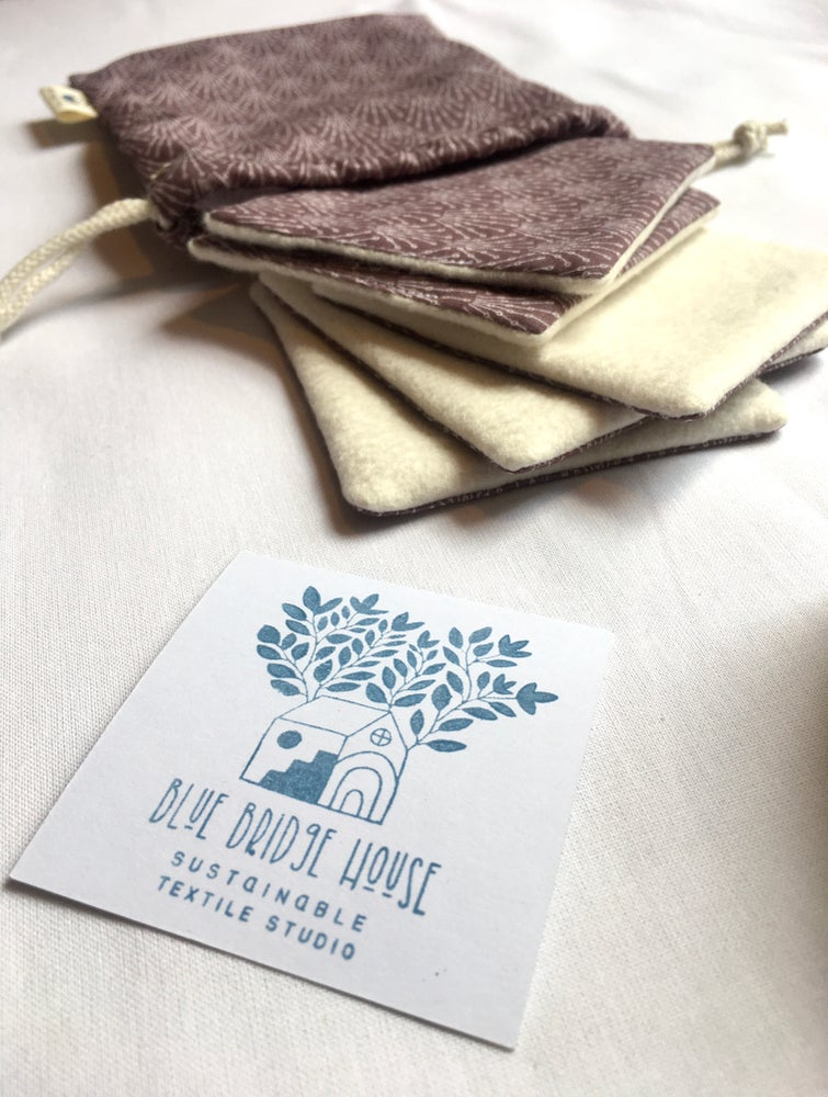 Image of Organic Cotton Reusable Face Wipes - Pack of 5 Squares