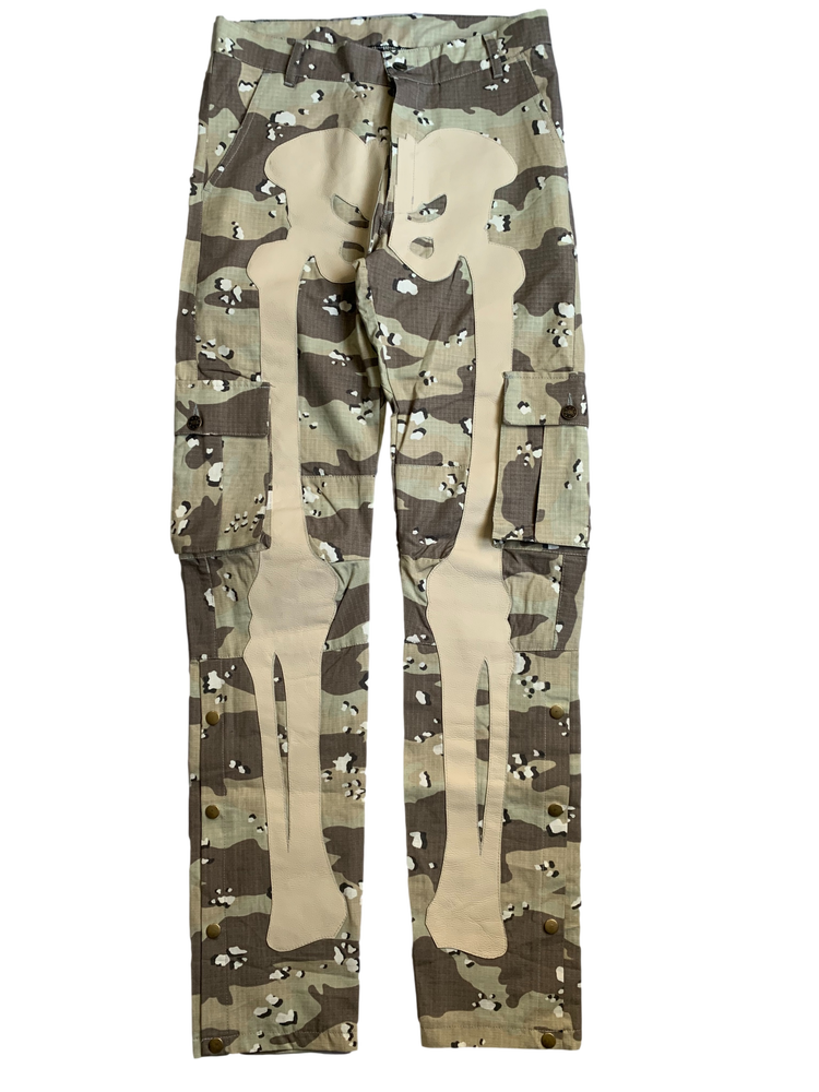 Image of CHOCOLATE CHIP CAMO SNAP CARGO BONE PANTS