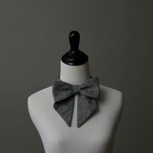 Image of Midnight Fox Lady Bow