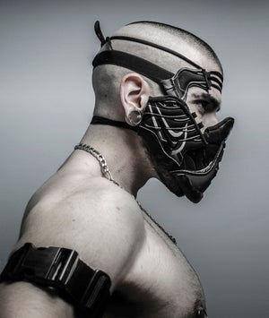 Image of SNEAKER MASK / HEAD PIECE / BLACK / WHITE / REFLECTIVE