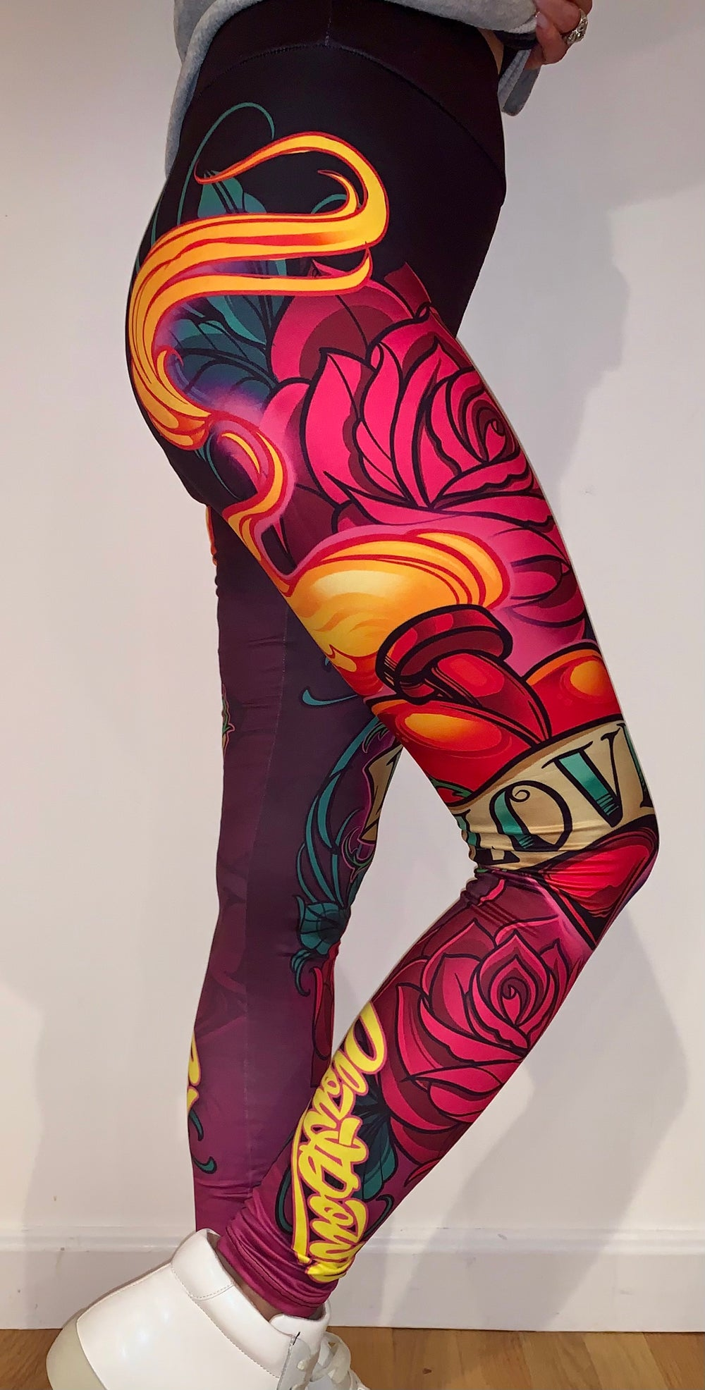 New School Sacred Love Heart and Roses leggings