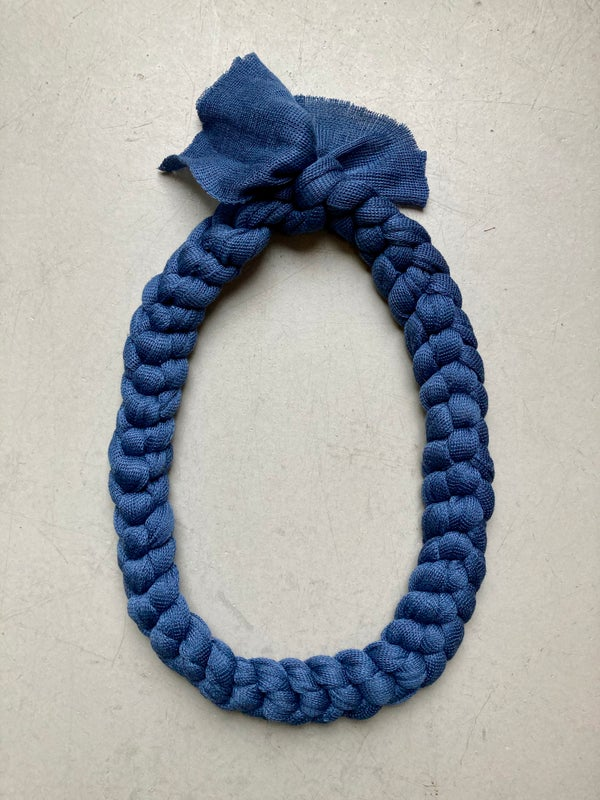 Image of Silk chain, Saphire