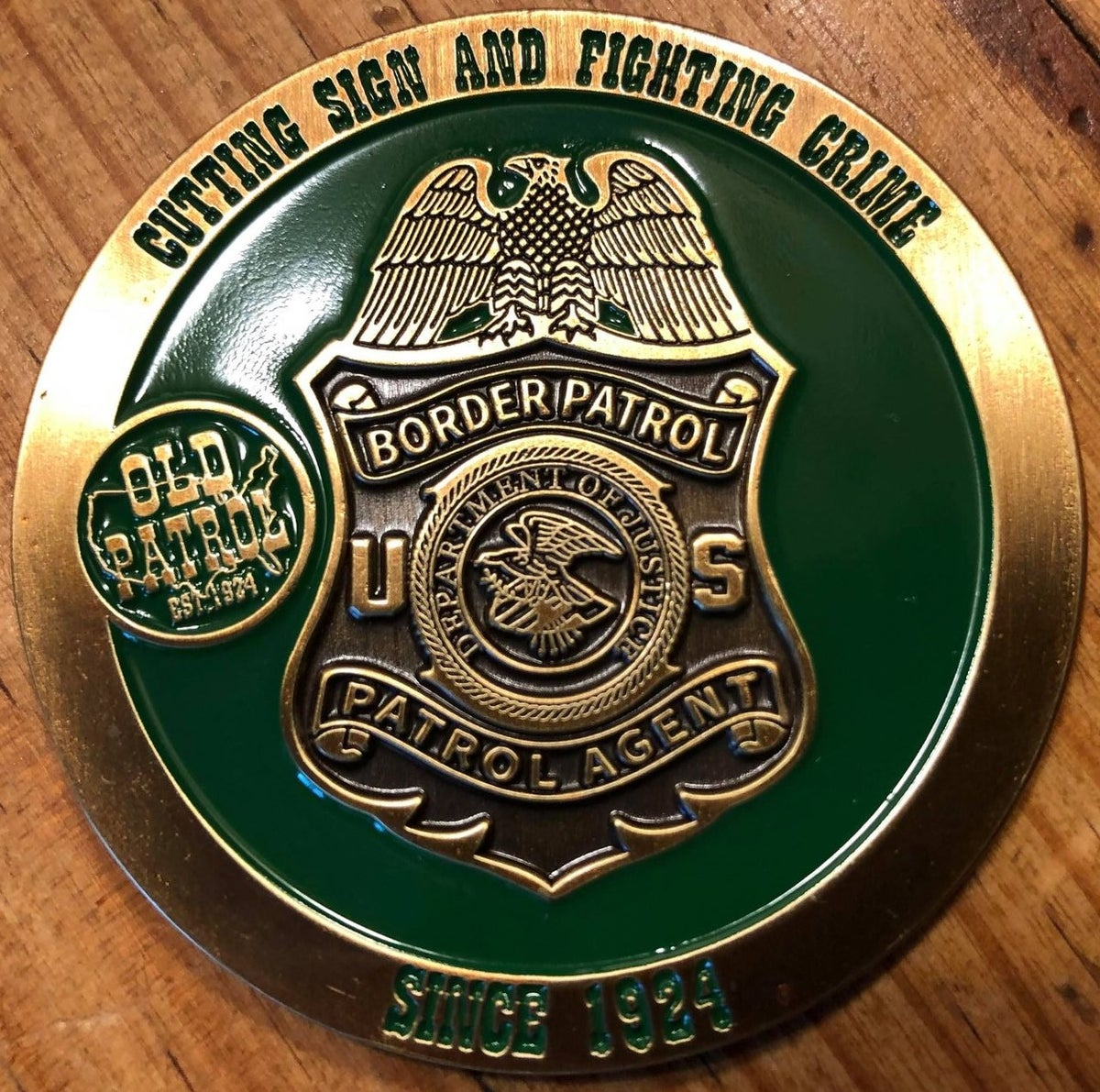 Image of OLD PATROL ~ THE HUNTING OF MAN COMMEMORATIVE COIN