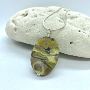 Image of Spa Stones Pendant 1