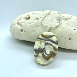 Image of Spa Stones Pendant 4