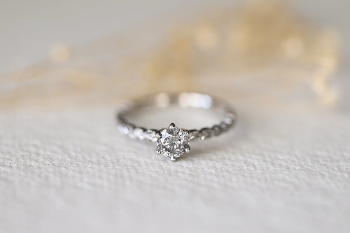 Image of *Made to order* Briliant cut 'Salt and Pepper' diamond ring