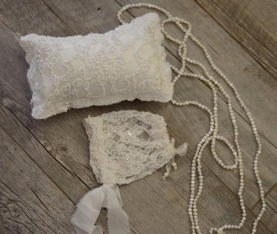 Image of Couture Collection pillow/bonnet set
