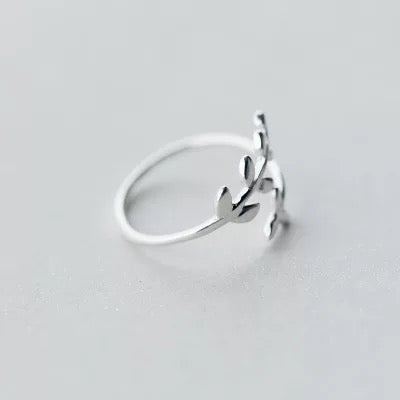 Image of Winding Branch Ring