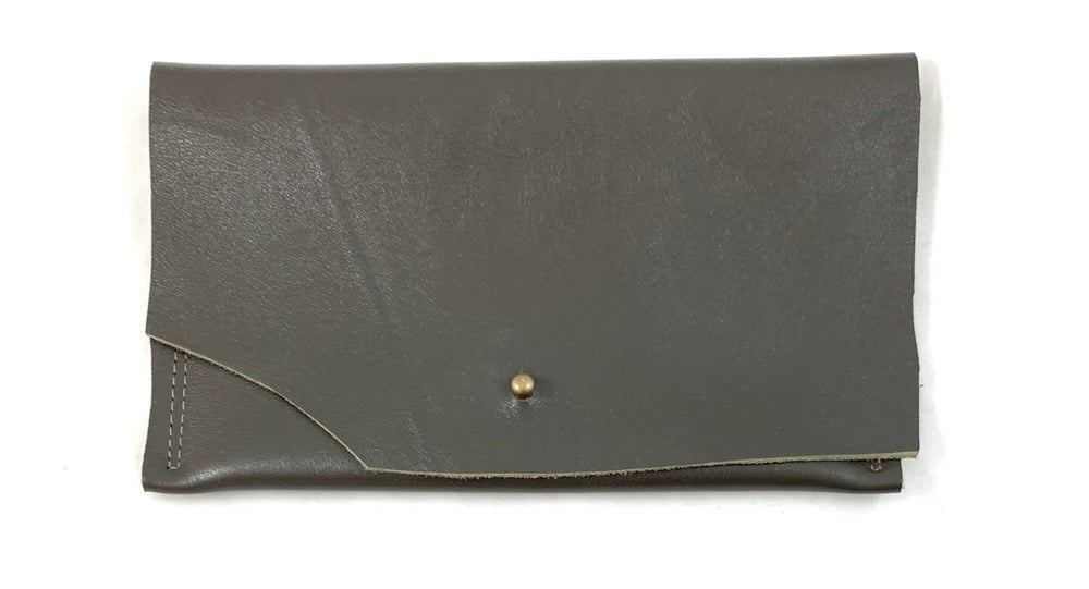 Image of pouch (putty)