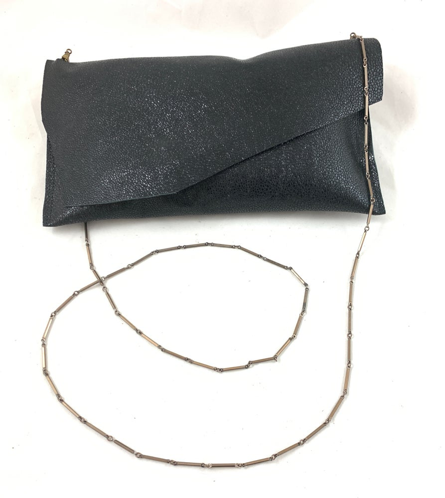 Image of vintage chain pouch (black sting ray)