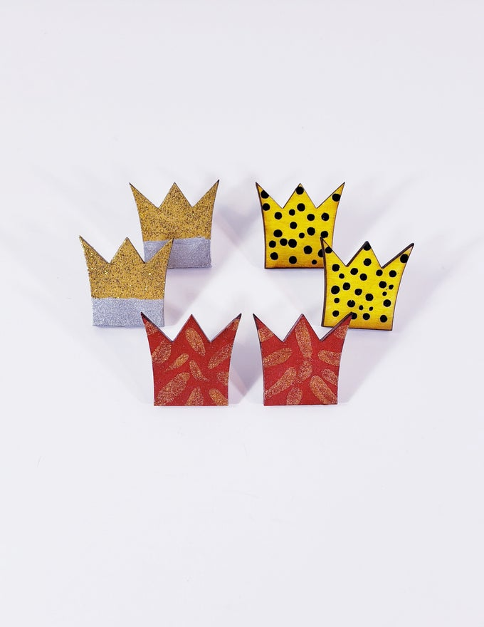 Image of Crown Stud Earrings
