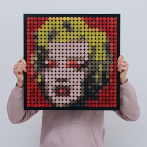 Marilyn Monroe Dots - Small Version