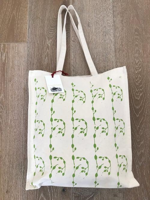 Image of Green wrack seaweed shopper