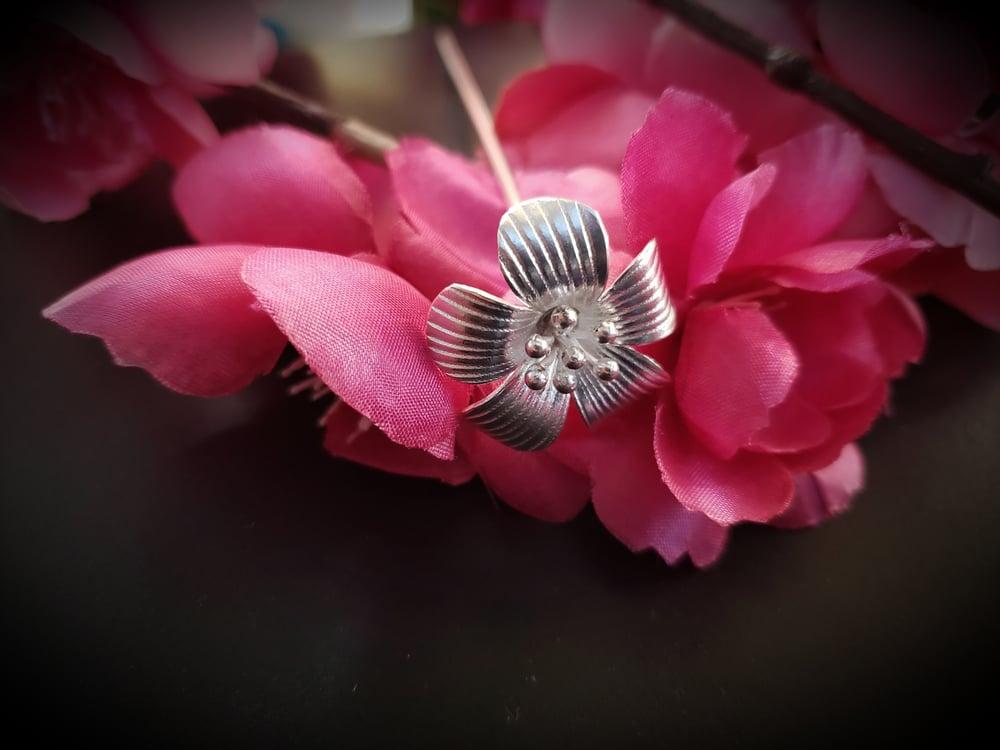 Daisy Hairpin