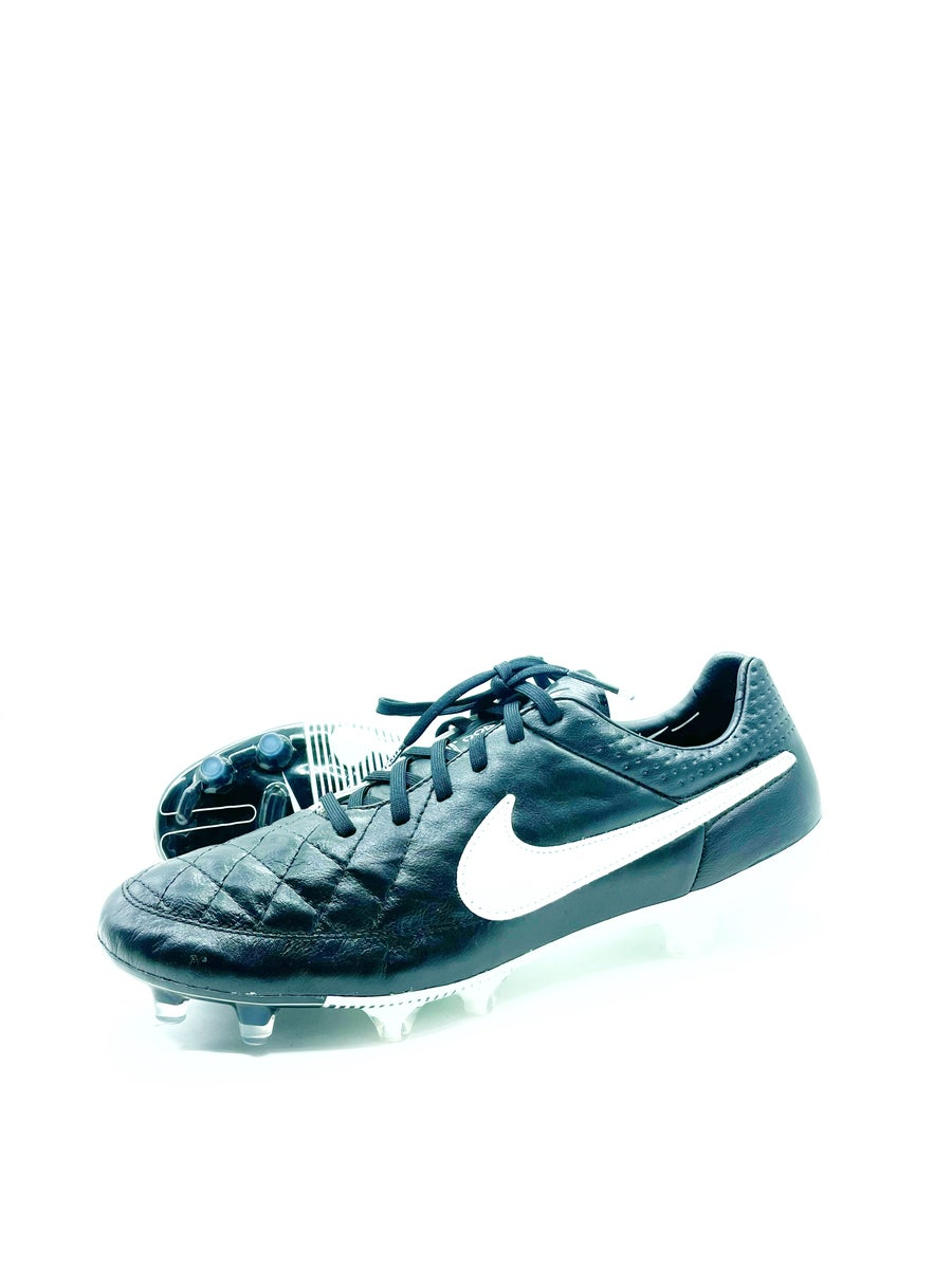 Image of Nike Tiempo V legend
