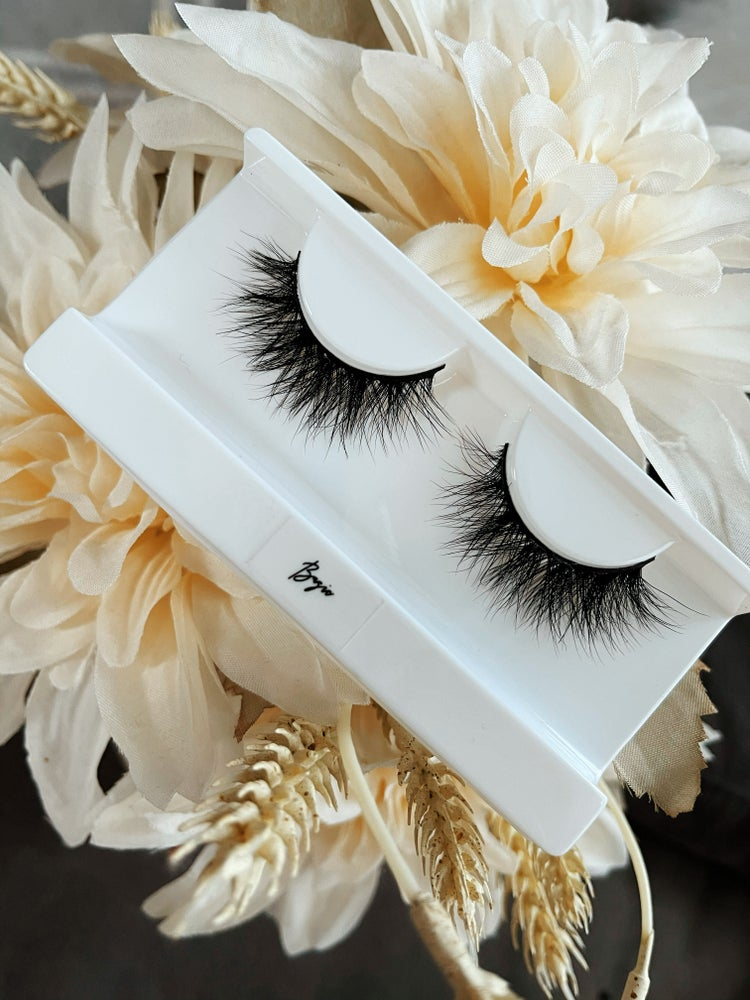Image of Basic Lashes