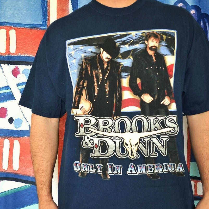 "Image of Vintage 2001 Brooks & Dunn ""Only in America"" Country Music T-Shirt Sz.XL"