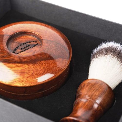 Image of Wooden Shaving Set suitable for Vegans