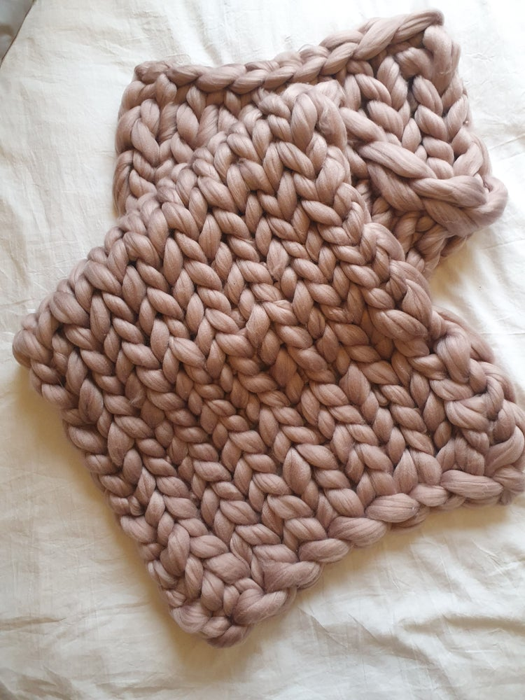 Image of Mushroom pink chunky bed runner