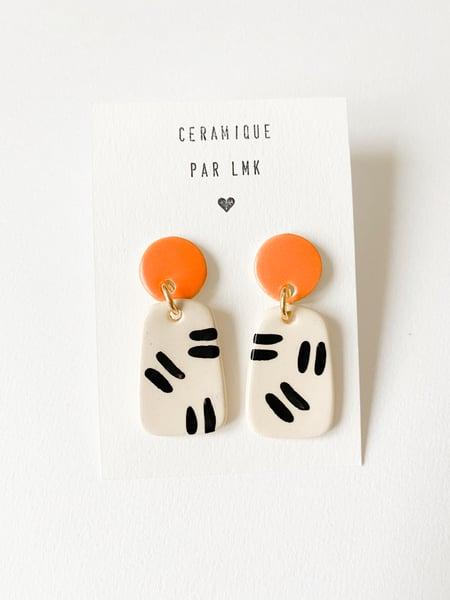 Image of Paire de boucles d'oreilles céramique TOTEM PARA mandarine mat et double riz