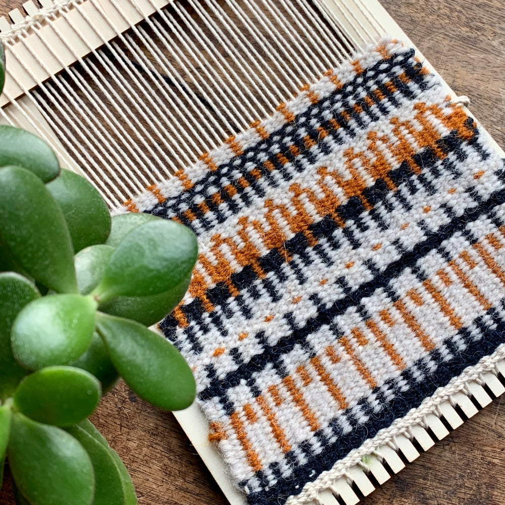 Image of Tapestry Weaving Loom Kit - FREE ASSORTED RUG YARN PACK