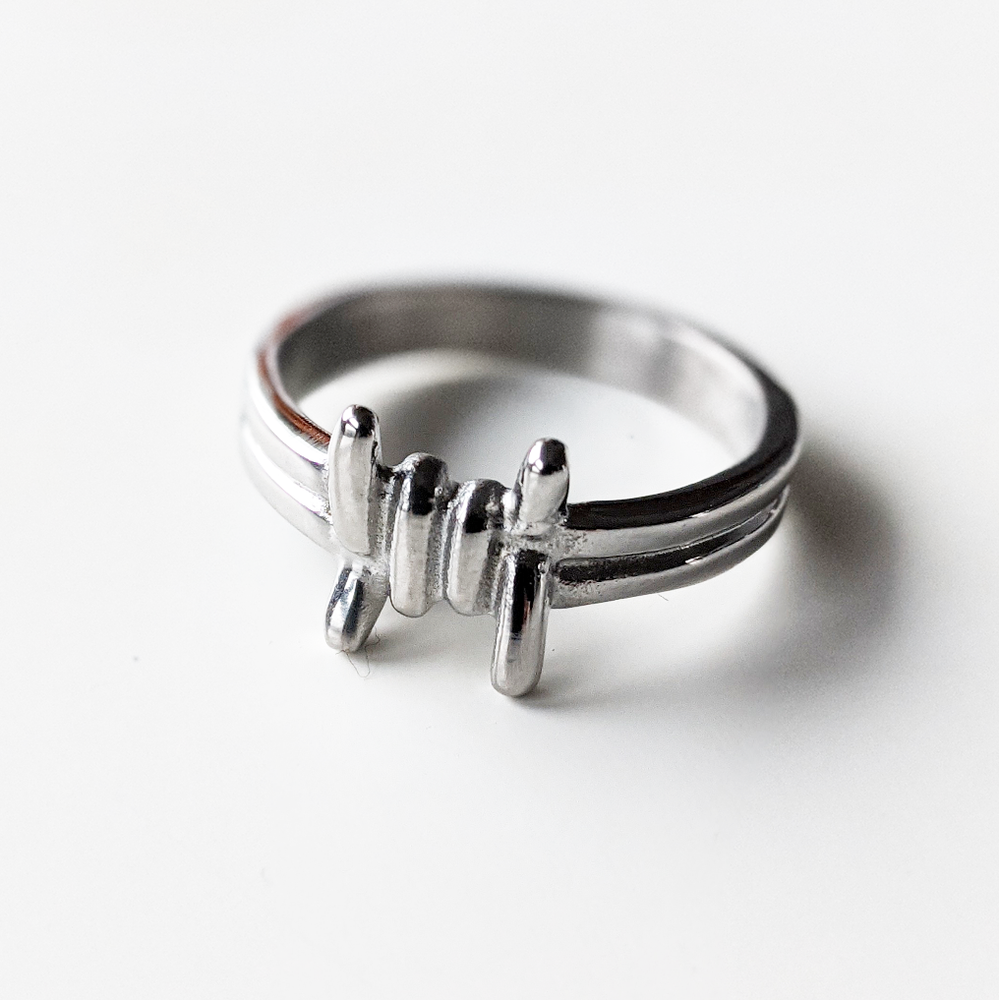 Image of Barbed Wire Ring