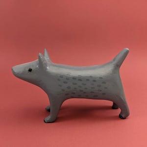 "Grey dog sculpture - ""Mysko"""