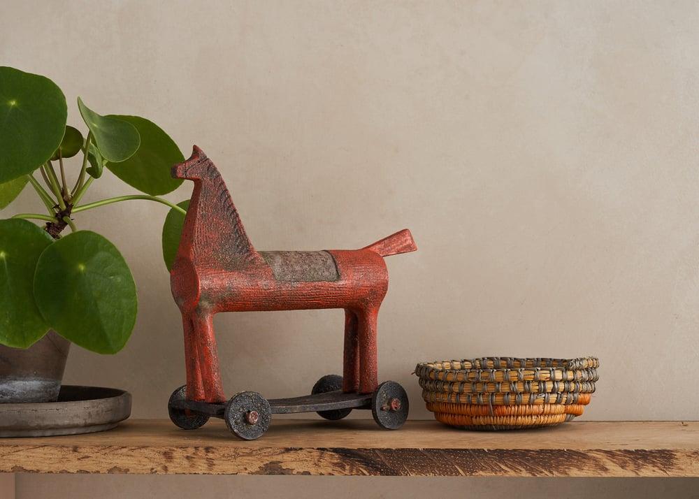 Image of Horse on wheels