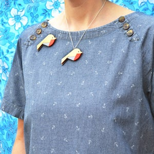 Image of Robin Brooch or Necklace