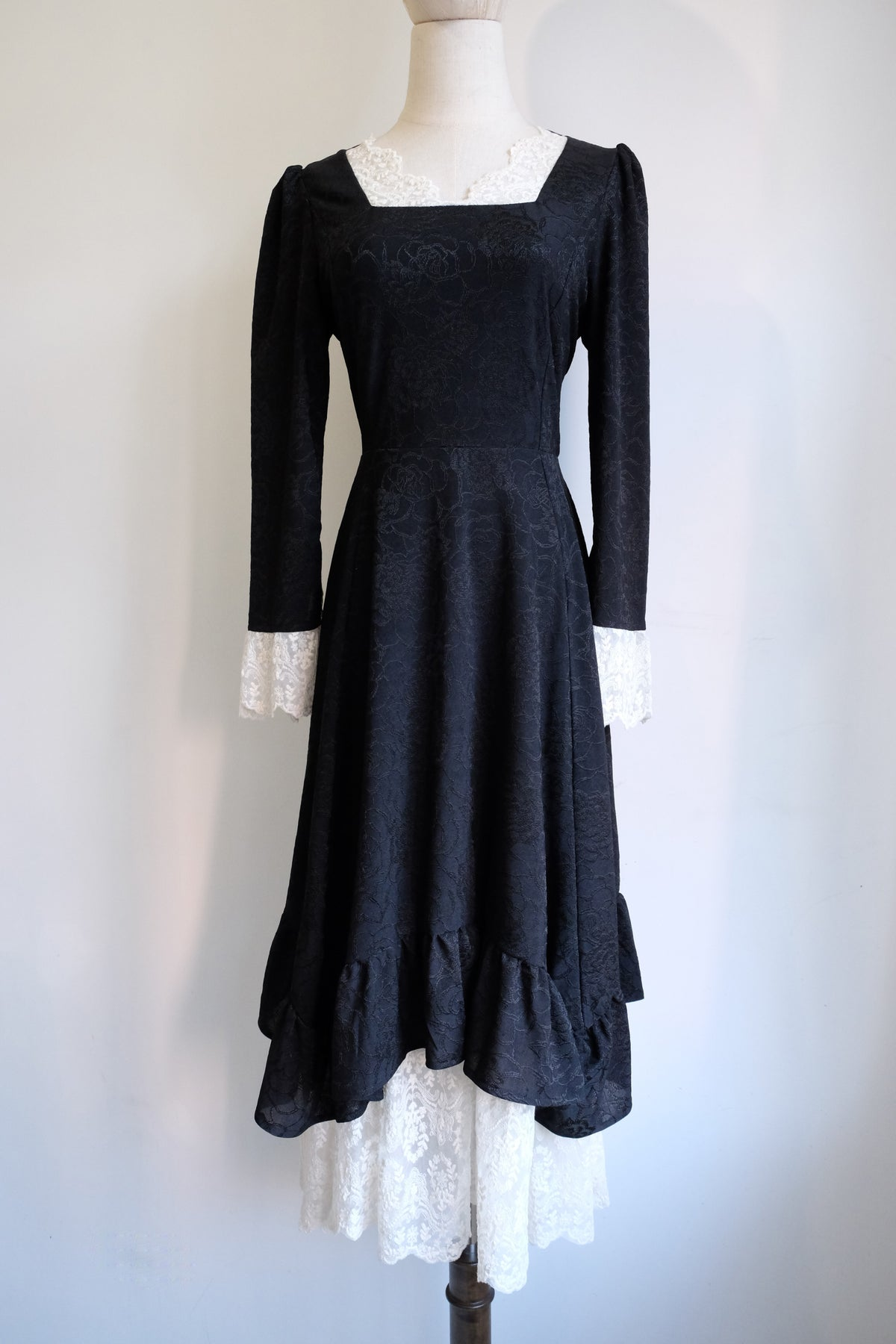 Image of SAMPLE SALE - Unreleased Dress 22