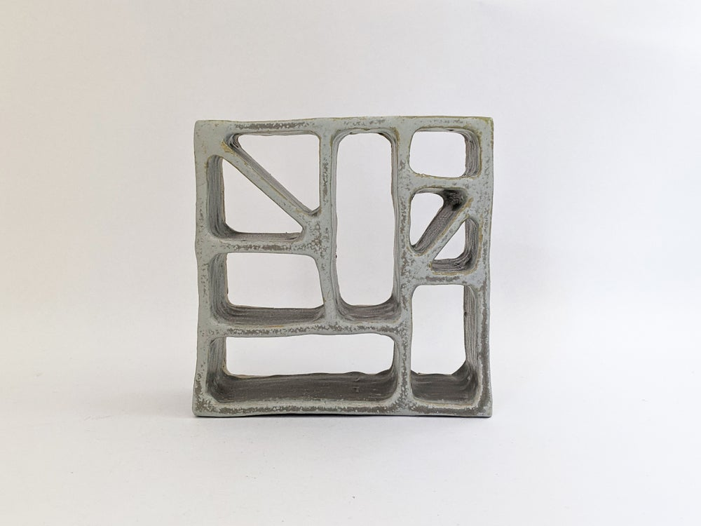 Image of breeze block in grey I