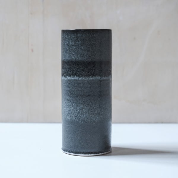 Image of LARGE UNIKA CYLINDER IN FROSTED BLACK GLAZE