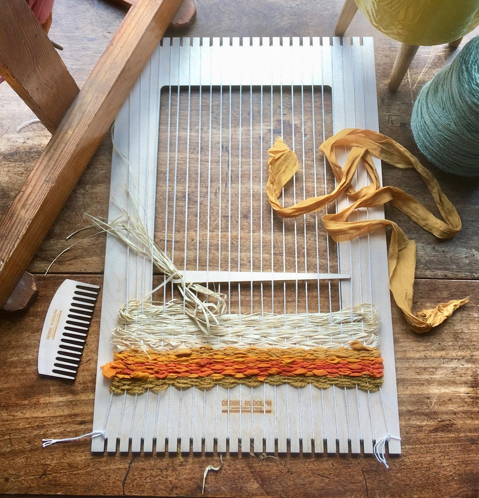 Image of Med Tapestry Weaving Loom Kit - FREE ASSORTED RUG YARN PACK