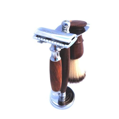 Image of Full Wooden Shaving Set Sweyn Forkbeard suitable for Vegans