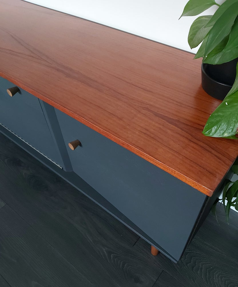 Image of JENTIQUE LOW-LINE MEDIA UNIT IN CHARCOAL GREY