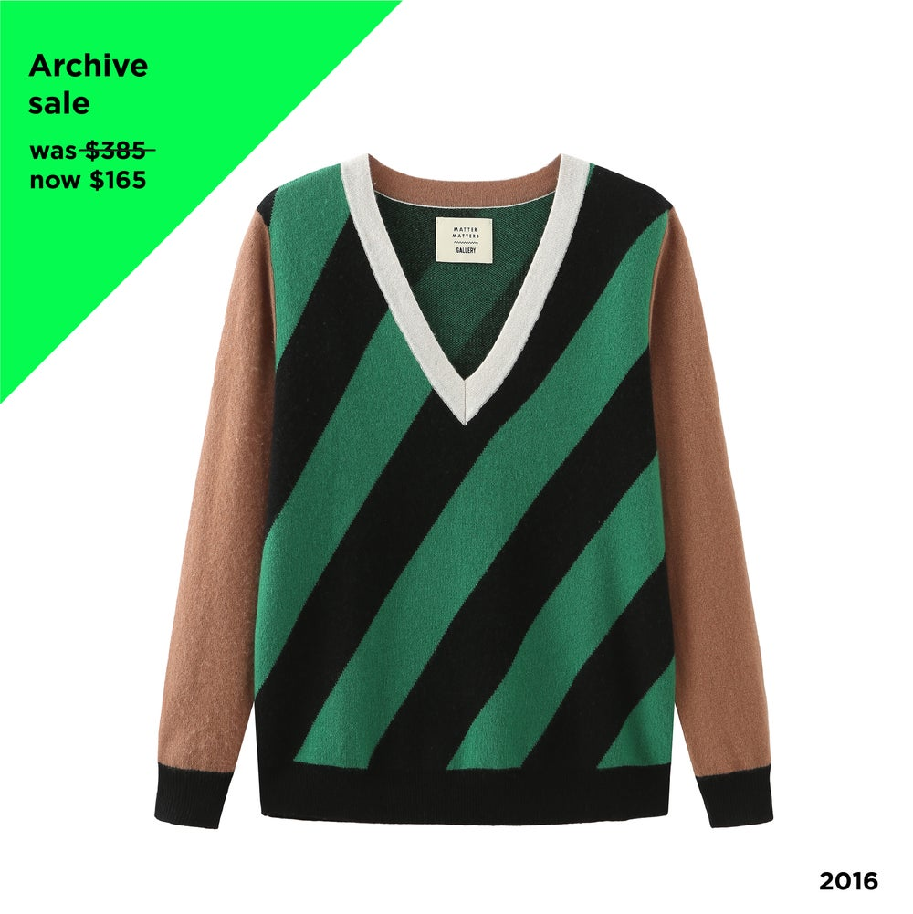V Neck Intarsia Wool and Cashmere Blend Sweater - Black/Green