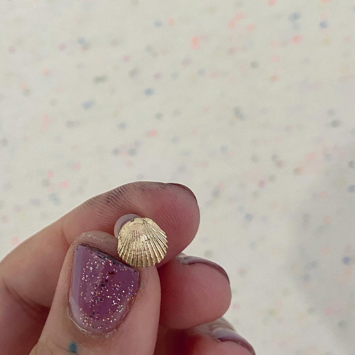 Image of Gold miami beach shell stud