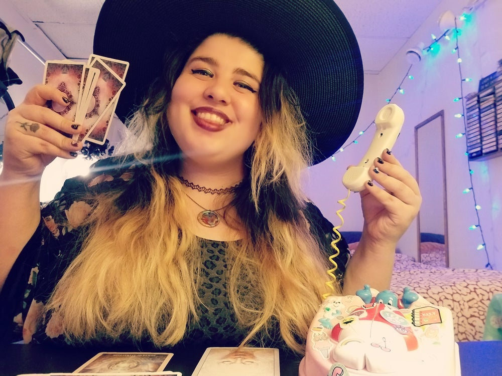 Image of Quarantine Tarot Readings with Annie Hex