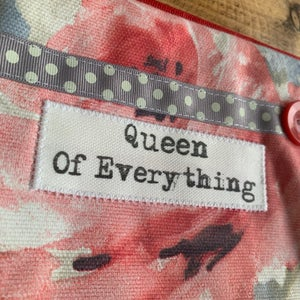 Image of Queen quote purse