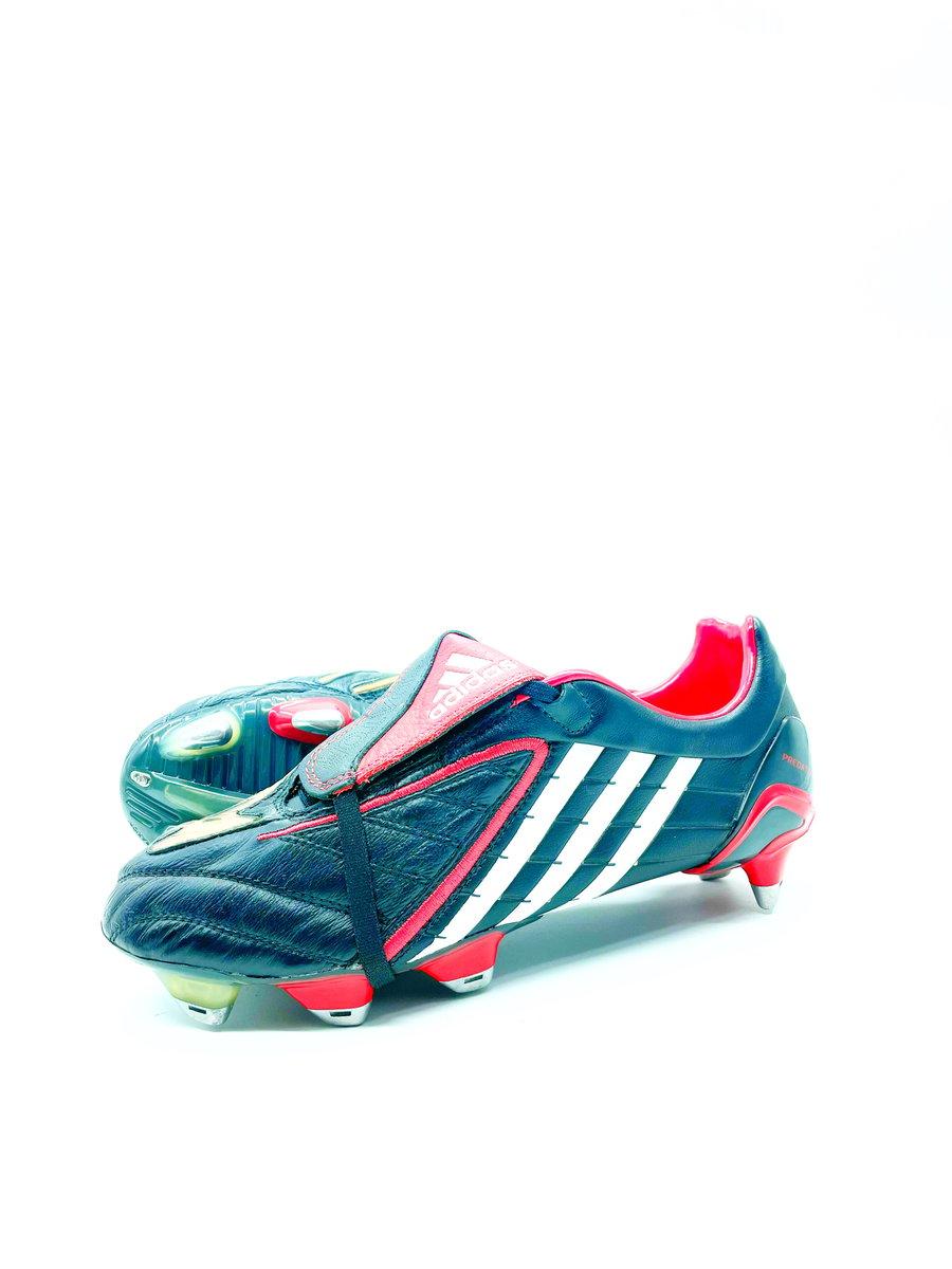 Image of Adidas Predator Powerswerve Classic SG